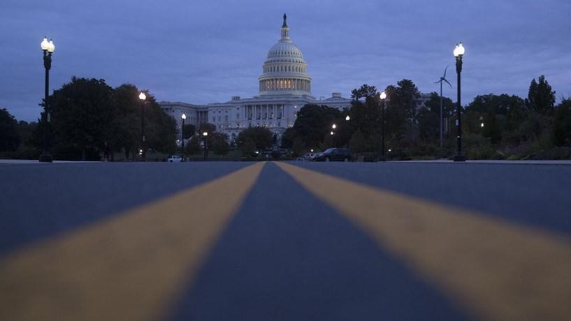 Câmara dos Representantes vai ter de votar outra vez reforma fiscal