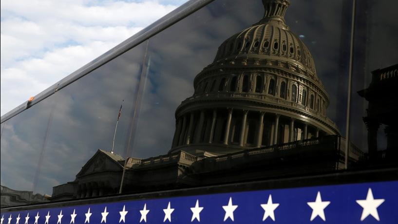 Senado americano consegue maioria para reabrir governo