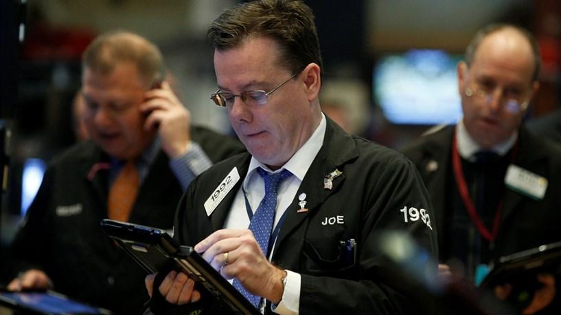 Wall Street recua nesta quarta em sessão turbulenta