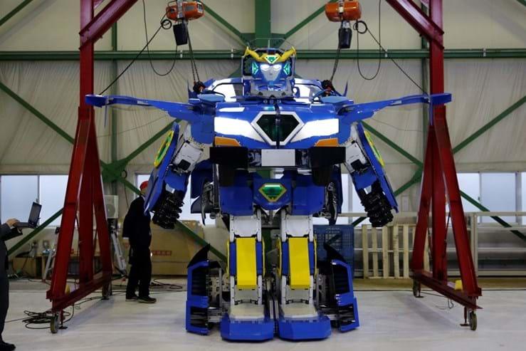 Empresa japonesa revela robô que se transforma em carro
