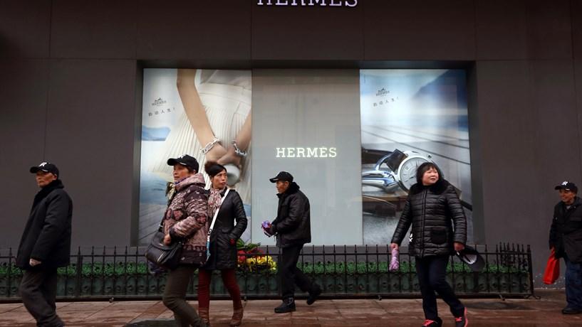 df26a77c2e7 Ásia e Europa impulsionam receitas da Hermès - Empresas - Jornal de ...