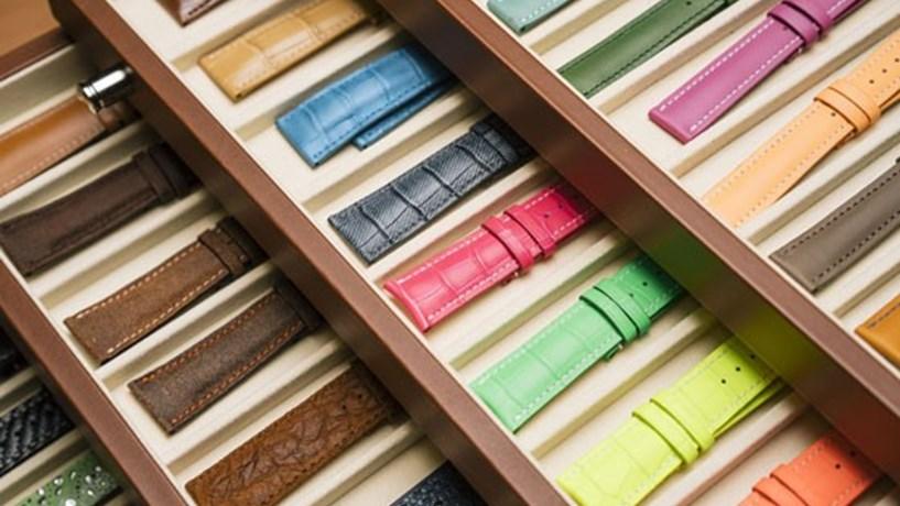 5cb501acdcd A empresa suíça Multicuirs vai fabricar braceletes para relógios de luxos  em Santa Maria da Feira