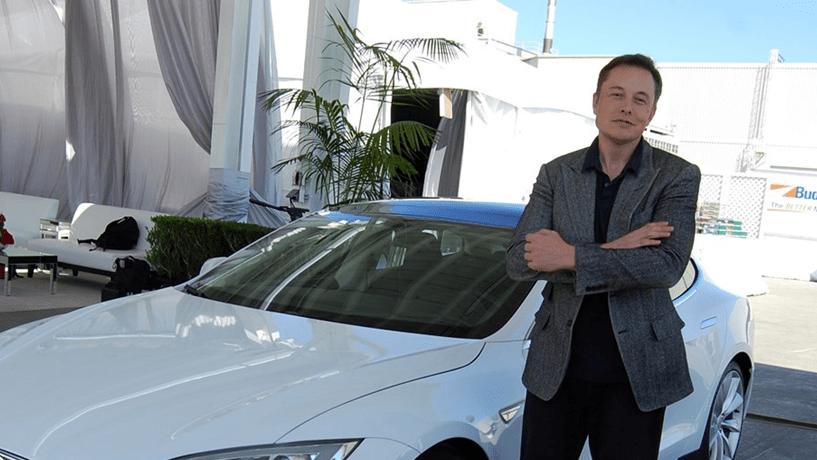 Musk revela interesse da Tesla em carrinha da Mercedes-Benz